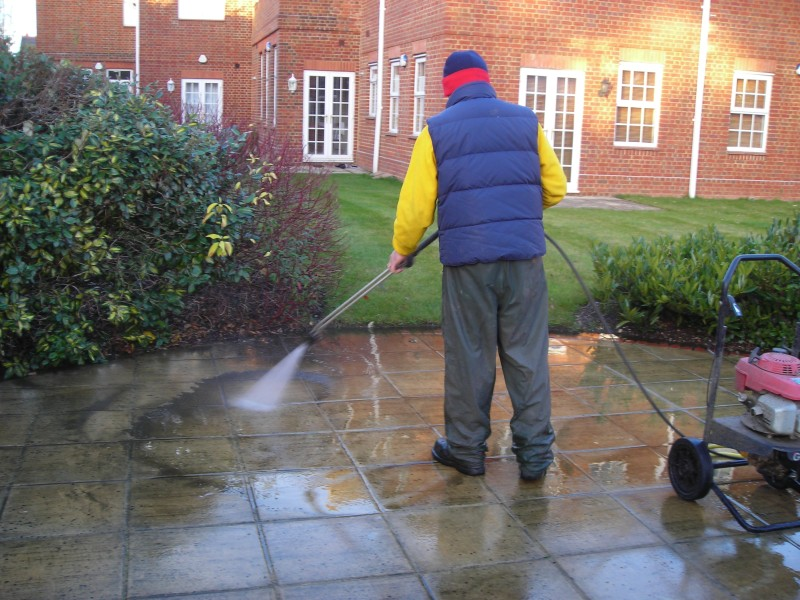Power Cleaning Services : Tips on high pressure washing and cleaning services