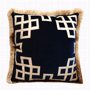 Luxury Decorative Pillows to Decorate your Bedrooms