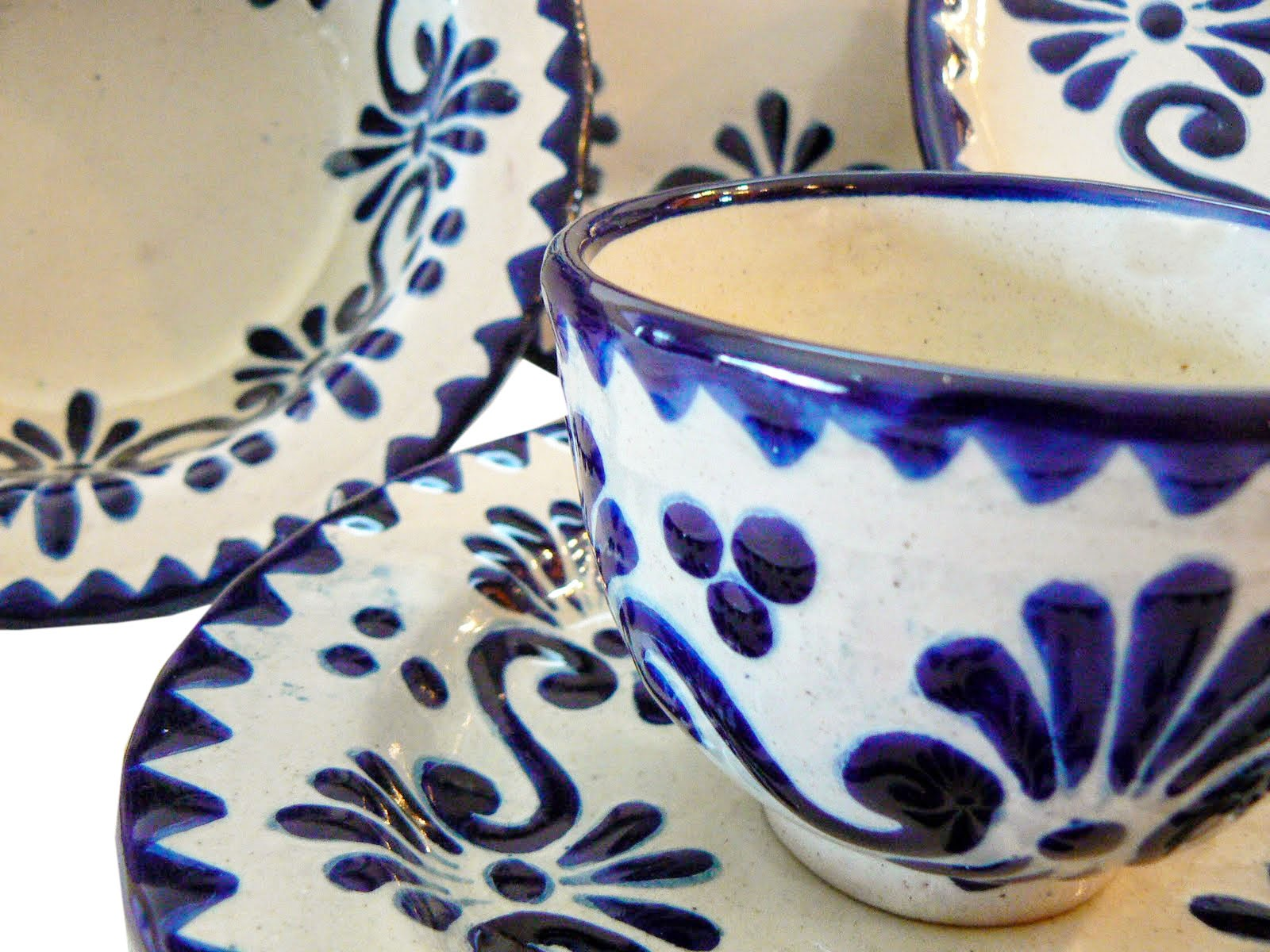 A World of Hand-Crafted Beauty:Talavera Pottery