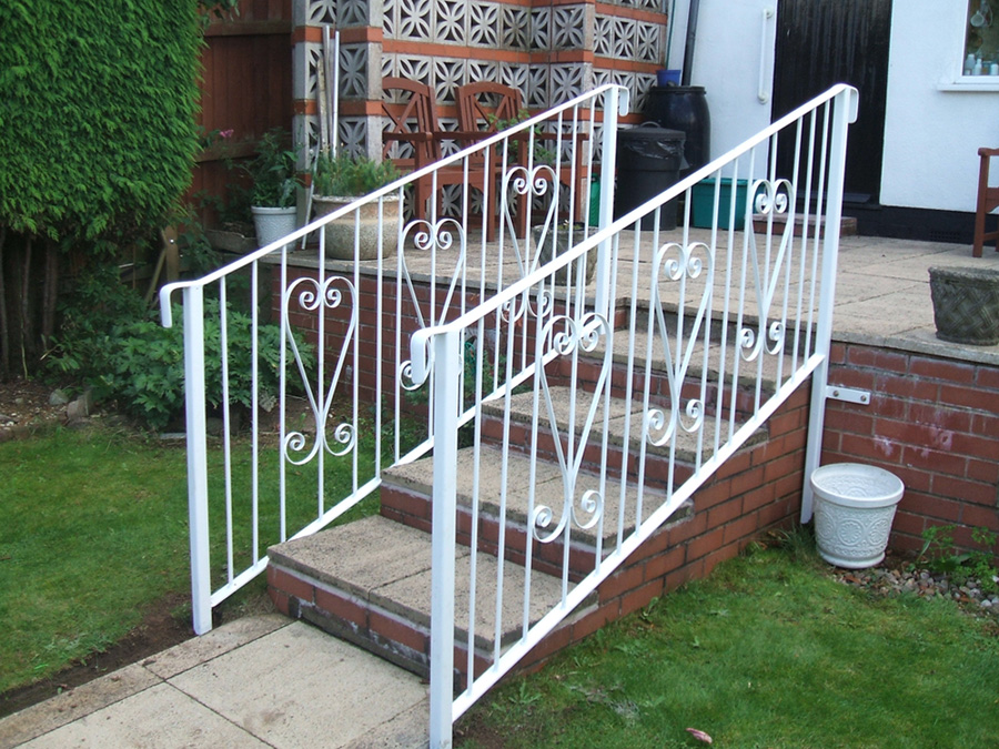 Outdoor Stair Railings – Learn The Facts